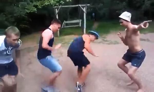 Видео: танец четвёртого, от которого можно лопнуть от смеха