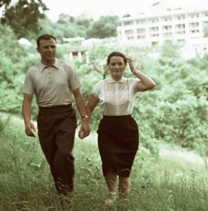 Юрий Гагарин не выставлял напоказ свою личную жизнь. Вот кем оказалась и о чём сейчас мечтает вдова первого космонавта
